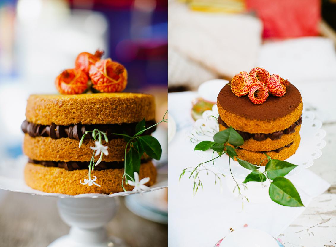 Resultado de imagem para bolo com flores pelado simples